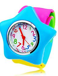 Children's Round Dial Rubber Band Quartz Analog Fashion Watch (Random Style)