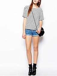 Frauen Schwarzweiß-Streifen-T-Shirt