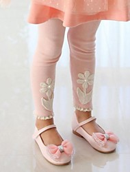 Happy Girl's Fashion Joker Flower Pattern Lacy Leggings