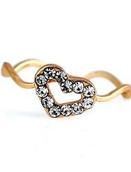 creux motif coeur ondulé métal des femmes avec l'anneau de diamant artificiel (1pc)