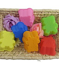 Lovely Bear Shape Muffin Moulds, Cupcake Moulds , 6 Pieces per Set, L 7.8cm x W 6.5cm x H 3cm, Random Assorted Color