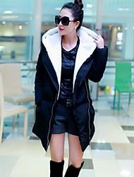 Женское теплое приталенное пальто