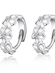 Weimei Women's Elegant Tea Flower Silver Earrings