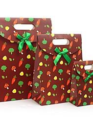 padrão de legumes caixa de presente marrom com fita verde