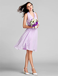 Knee-length Chiffon Bridesmaid Dress Sheath / Column Halter Plus Size / Petite with Draping / Ruching