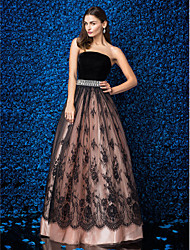Formal Evening Dress Plus Size / Petite Ball Gown Strapless Floor-length Lace / Velvet with Lace / Crystal Brooch