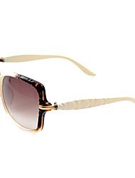100% UV400 Women's Oversized Resin Retro Sunglasses