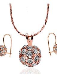 Or rose 18 carats collier de placage boucles d'oreilles mis en