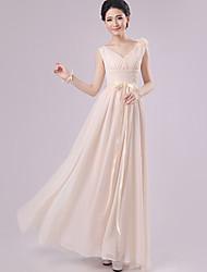 Floor-length Chiffon Bridesmaid Dress - Champagne Sheath/Column V-neck