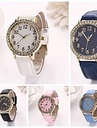 grille fine cadran rond grille fine à long cuir montres à quartz des femmes (couleurs assorties) c&D-154