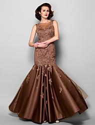 Lanting Bride® Sereia Tamanhos Grandes / Mignon Vestido Para Mãe dos Noivos Longo Sem Mangas Cetim / Tule - Renda