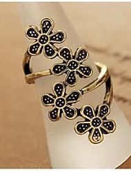 Four Flower Ornaments Retro Ring