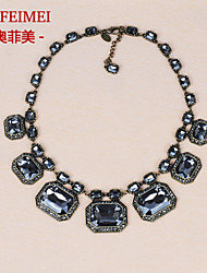 Winter new European and American retro palace jewelry box large crystal necklace short paragraph