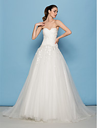 Lanting Bride® A-line / Princess Petite Wedding Dress Sweep / Brush Train Sweetheart Tulle with