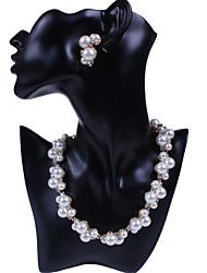Sade Women's Necklace Earrings Suit