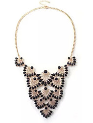 Hollow out fan short necklace