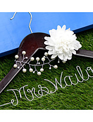 Personalized Wedding Dress Hanger, Custom Bridal Bridesmaid hanger, Wire Name Hanger with Pearls and Flower
