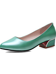 Women's Shoes Patent Leather Low Heel Heels/Pointed Toe/Closed Toe Pumps/Heels Office/Dress/Casual Black/Green/Pink