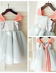 Princess Knee-length Flower Girl Dress - Tulle/Sequined Short Sleeve