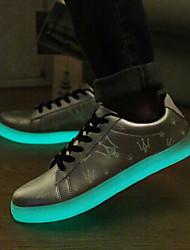de los hombres llevaron los zapatos de carga USB a zapatillas de deporte al aire libre sintéticas / deportivo / ocasional negro / plata / oro