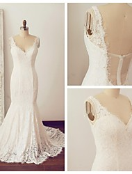 Trumpet/Mermaid Wedding Dress - Ivory Chapel Train V-neck Lace