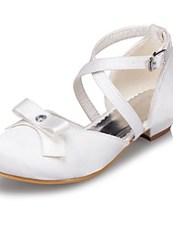 Girls' Shoes Outdoor / Casual Satin Flats Spring / Summer / Fall / Winter Round Toe Low Heel Bowknot Ivory