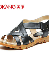 sandálias de couro das mulheres aokang® - 132823324