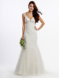 Lanting Bride® Fit & Flare Wedding Dress Sweep / Brush Train V-neck Tulle with Appliques / Crystal