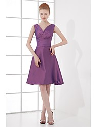 Lanting Bride Knee-length Taffeta Bridesmaid Dress A-line V-neck with Bow(s) / Side Draping