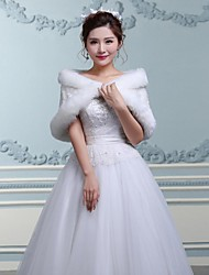 Fur Wraps / Hoods & Ponchos / Wedding  Wraps Capelets Sleeveless Faux Fur White Wedding / Party/Evening Off-the-shoulderFlower(s) / Lace