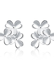 lureme®Fashion Style Silver Plated Three Flowers Shaped Stud Earrings