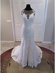 Trumpet / Mermaid Wedding Dress Court Train V-neck Lace / Tulle with Appliques / Lace