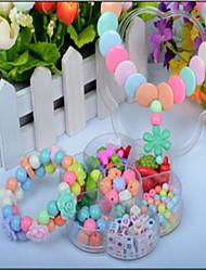 cartoon speelgoed geassembleerd kralen