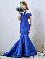 Formal Evening Dress Trumpet / Mermaid Off-the-shoulder Court Train Satin with