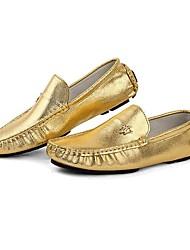 Zapatos de Hombre Mocasines Boda / Oficina y Trabajo / Vestido / Casual / Fiesta y Noche Cuero de Napa Plata / Oro