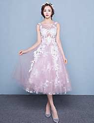 A-line Wedding Dress Tea-length Scoop Lace / Tulle with Lace