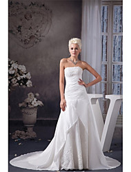 A-line Wedding Dress Court Train Strapless Taffeta with Appliques / Beading / Ruche