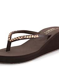 Damenschuhe-Flip-Flops-Lässig-Kunststoff-Keilabsatz-Flip - Flops / Vorne offener Schuh-Schwarz / Blau / Braun / Beige