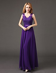 Floor-length Chiffon Bridesmaid Dress Sheath / Column V-neck with Appliques