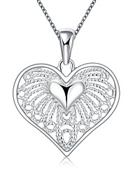 XU Women's Classic Hollow Heart-shaped Necklace