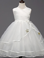 Ball Gown Knee-length Flower Girl Dress - Satin Tulle V-neck with Bow(s) Flower(s) Sash / Ribbon