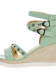 Women's Summer Wedges / Peep Toe Leatherette Office & Career / Dress / Casual Wedge Heel Rivet / Buckle / Zipper Black / Green / White