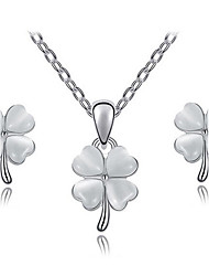 Women's Fresh Elegant Opal Clover Earrings Necklace Set