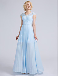Lanting Bride® Floor-length Chiffon / Lace Bridesmaid Dress Sheath / Column V-neck with Draping / Lace