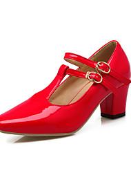 Женская обувь пу коренастый пятки пятки / круглый носок офис каблуки&карьера / платье / вскользь черный / красный / белый / бежевый