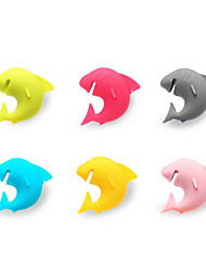 6Pcs shark  Party Dedicated Suction Cup Wine Glass Silicone Label Rubber Wine Glasses Recognizer Marker (Random Color)