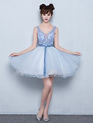 Cocktail Party Dress Ball Gown V-neck Short / Mini Organza with Beading