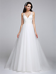 2017 Lanting Bride® A-line Wedding Dress - Classic & Timeless Open Back Sweep / Brush Train V-neck Tulle with Appliques / Beading
