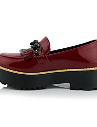 Damen-High Heels-Outddor / Kleid / Lässig-Lackleder / Kunstleder-Plateau-Absätze / Komfort / Pumps / Rundeschuh-Schwarz / Rot / Weiß