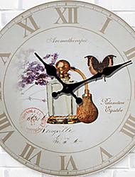 1PC European-Style Sitting Room Wooden Clock Bedroom Bracket Clock  Mute Quartz Clock(Pattern is Random)